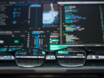 Веб код і розробки під замовлення